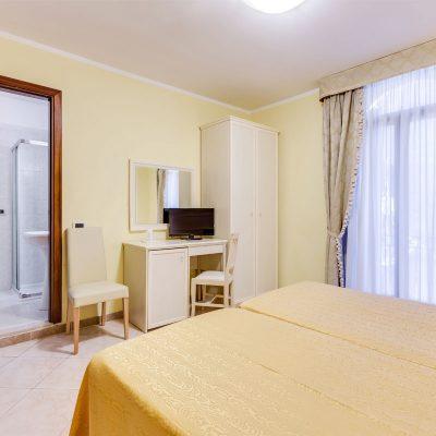 camera economica hotel venezia marte