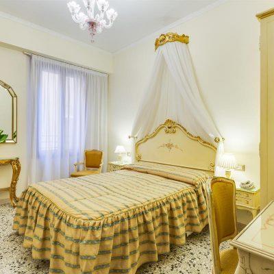 camera matrimoniale con vista hotel venezia marte